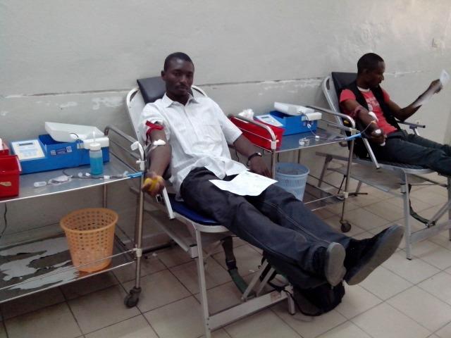 Don de sang un geste qui sauve des vies/crédit photo : Julien Dembélé