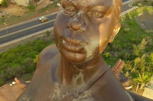 Article : Souvenirs du Monument de la Renaissance Africaine à Dakar