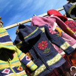 El Rastro. Flea market. Oviedo. Asturias. Spain. Children Clothes par Tomas Fano, via Fickr CC
